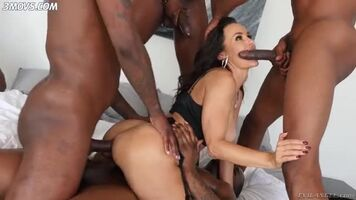www.3movs.com---lisa-ann-gets-all-her-holes-filled-with-big-cocks lq